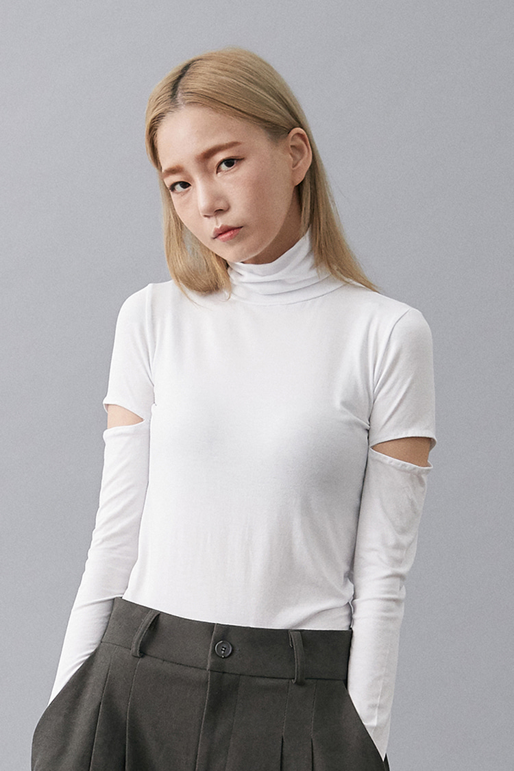 NOI145 slim fit rayon slit turtleneck (white)